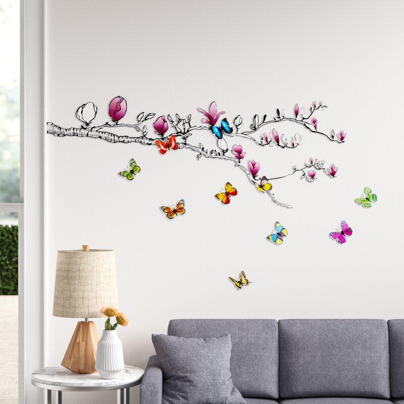 دیزاین دیوار با استیکر دیواری طرح درخت و پروانه