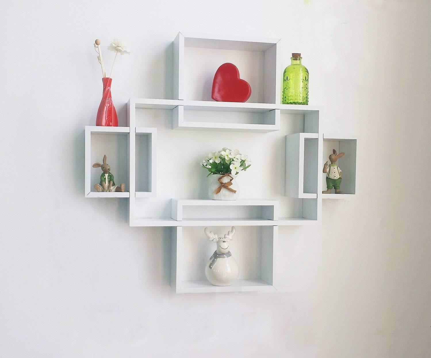 دیزاین دیوار با باکس و شلف دیواری سفید مربع و مستطیل شکل