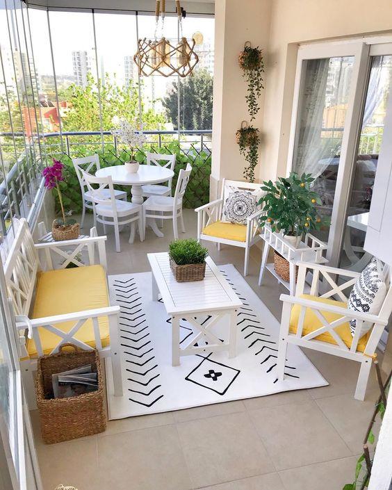 ست میز و صندلی برای دکوراسیون تراس