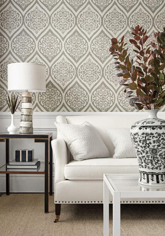 کاغذ دیواری با طرح کلاسیک به رنگ طوسی و سفید
