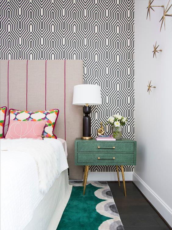 کاغذ دیواری با طرح ریز برای اتاق خواب
