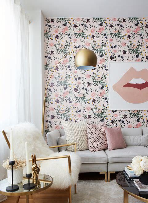 کاغذ دیواری با رنگ سفید و گل های صورتی