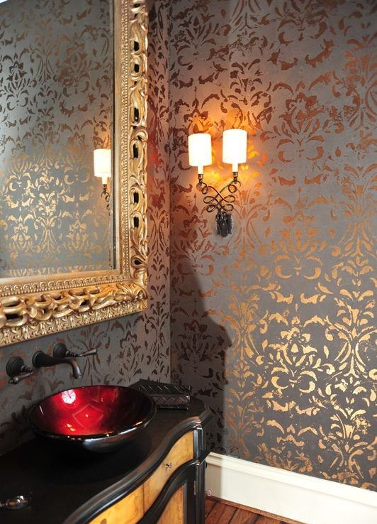 استفاده از کاغذ دیواری فلزی و براق در سرویس بهداشتی