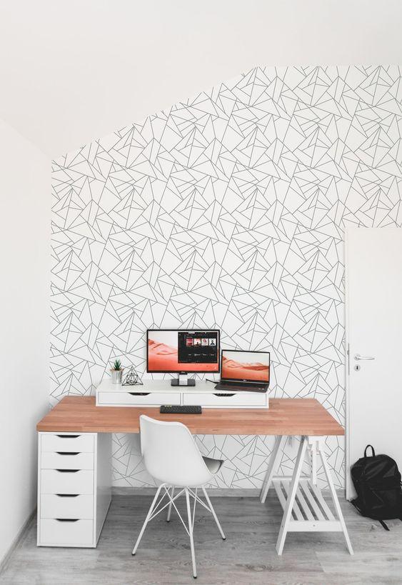 کاغذ دیواری اتاق نوجوان با طرح هندسی و رنگ سفید