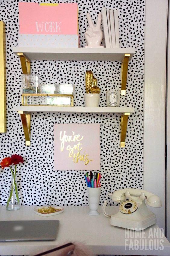 کاغذ دیواری اتاق نوجوان دختر با طرح خال خالی