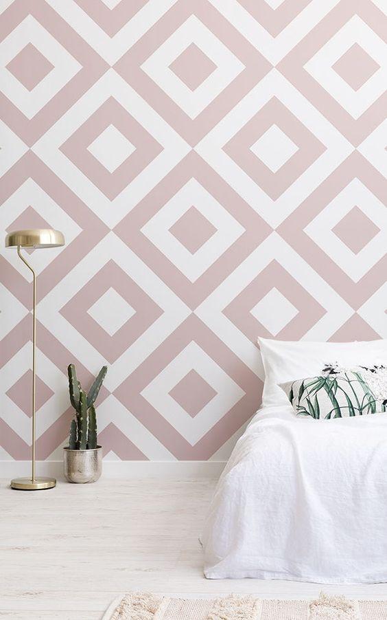 کاغذ دیواری اتاق نوجوان دختر با طرح هندسی و رنگ صورتی و سفید