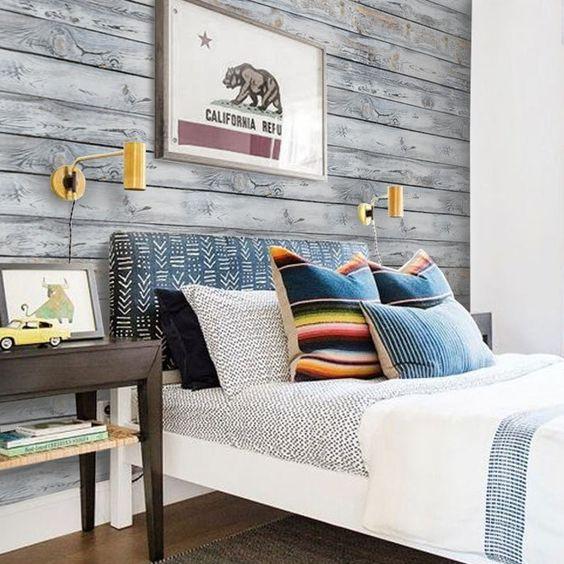 کاغذ دیواری اتاق نوجوان پسر با طرح چوب و رنگ طوسی