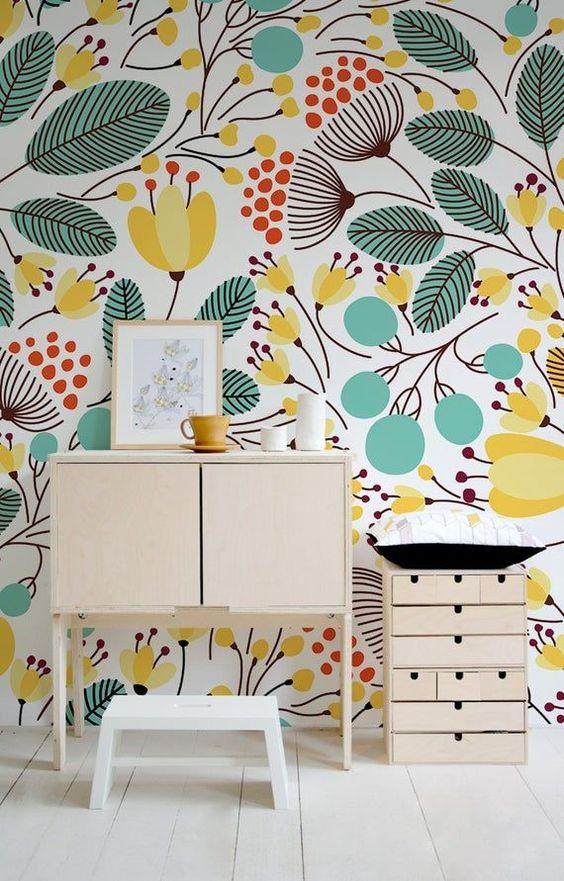 کاغذ دیواری اتاق کودک دختر با طرح گل و رنگ زرد و سبز