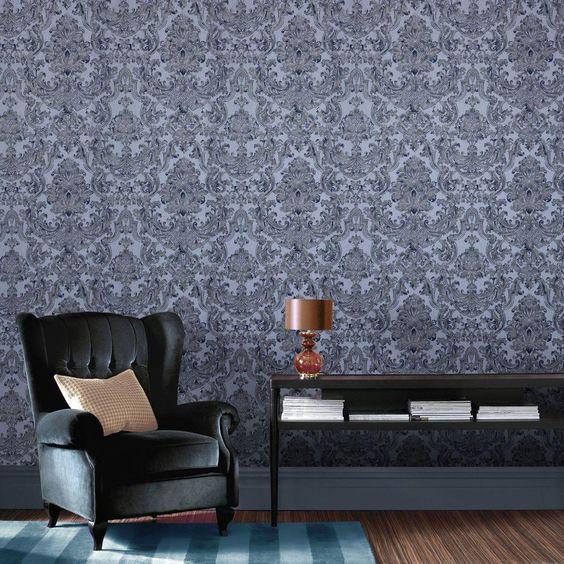 کاغذ دیواری پذیرایی با طرح کلاسیک و رنگ سرمه ای