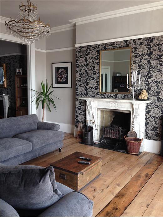 کاغذ دیواری پذیرایی با طرح کلاسیک و رنگ سیاه و سفید