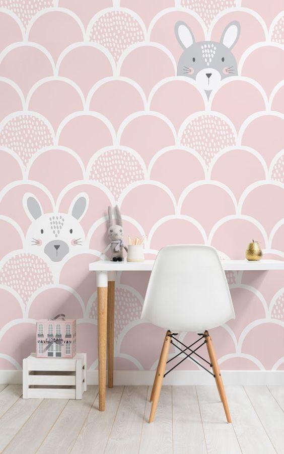 کاغذ دیواری اتاق کودک دختر به رنگ صورتی پاستلی