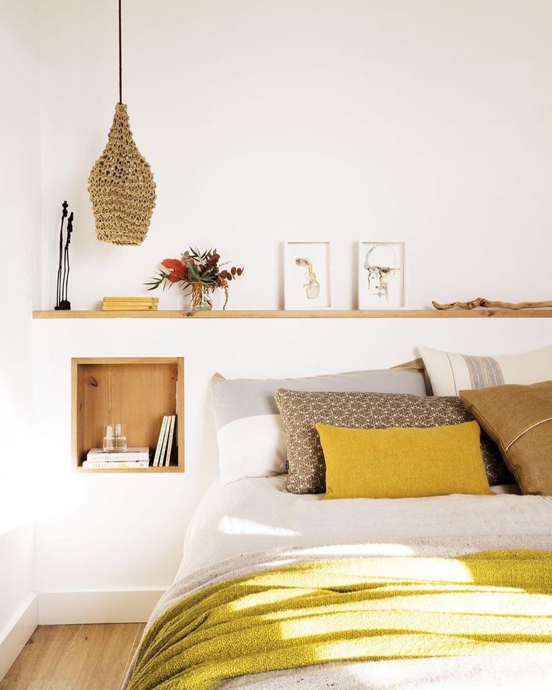 اتاق خواب زرد و کرم