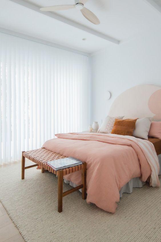 اتاق خواب سفید صورتی