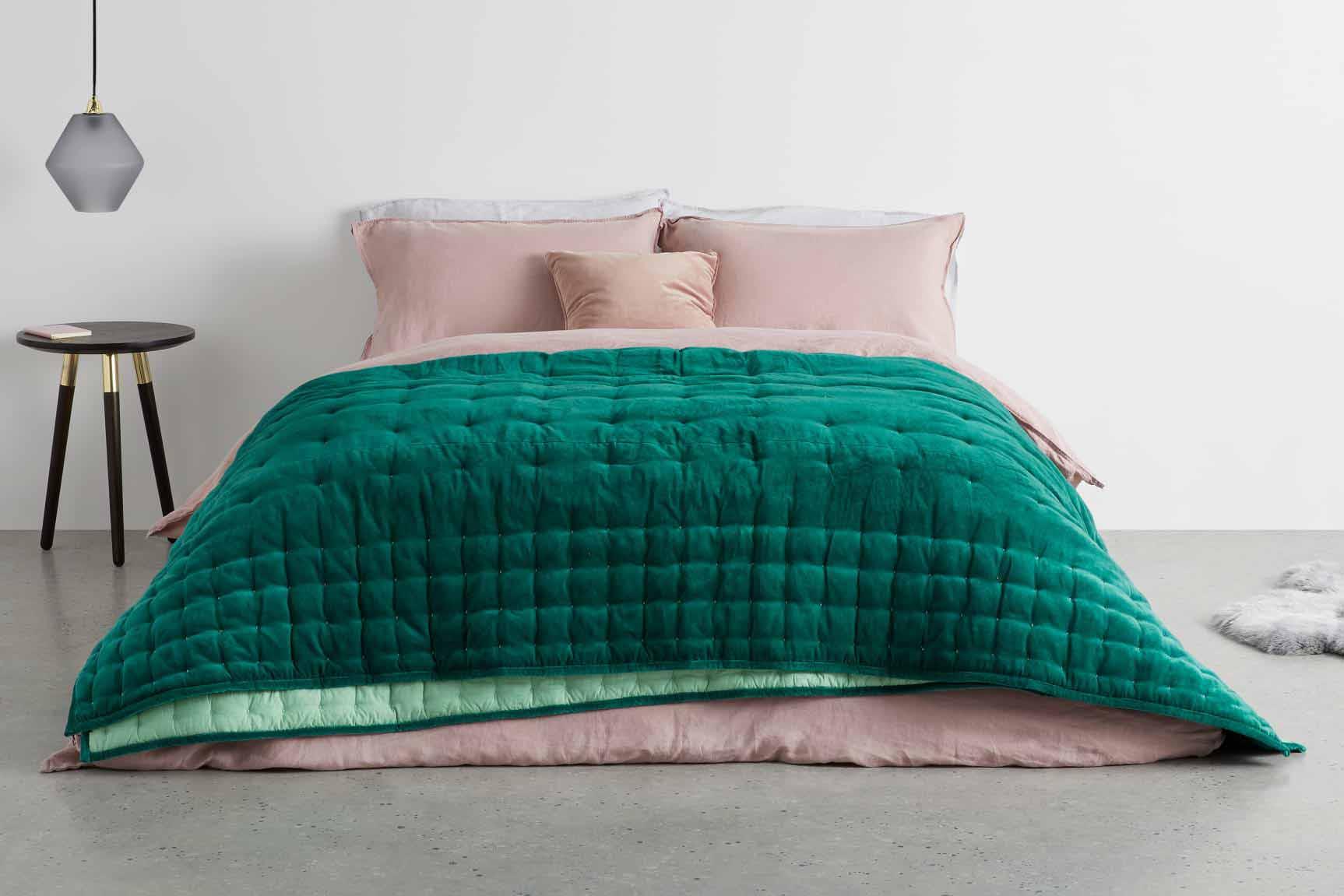 جنس پارچه روتختی پنبه ای با رنگ سبز و صورتی