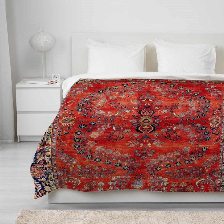 روتختی سنتی ایرانی قرمز در اتاق خواب با طراحی مدرن و ساده