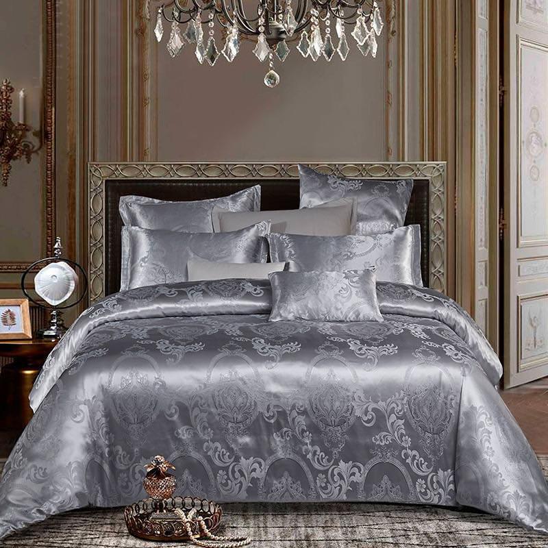 روتختی کلاسیک و سلطنتی طوسی با طرح محو که در اتاق با سبک کلاسیک استفاده شده است