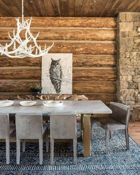 سبک دکوراسیون روستیک ناهار خوری با بافت طبیعی چوب و سنگ و میز و صندلی دست ساز