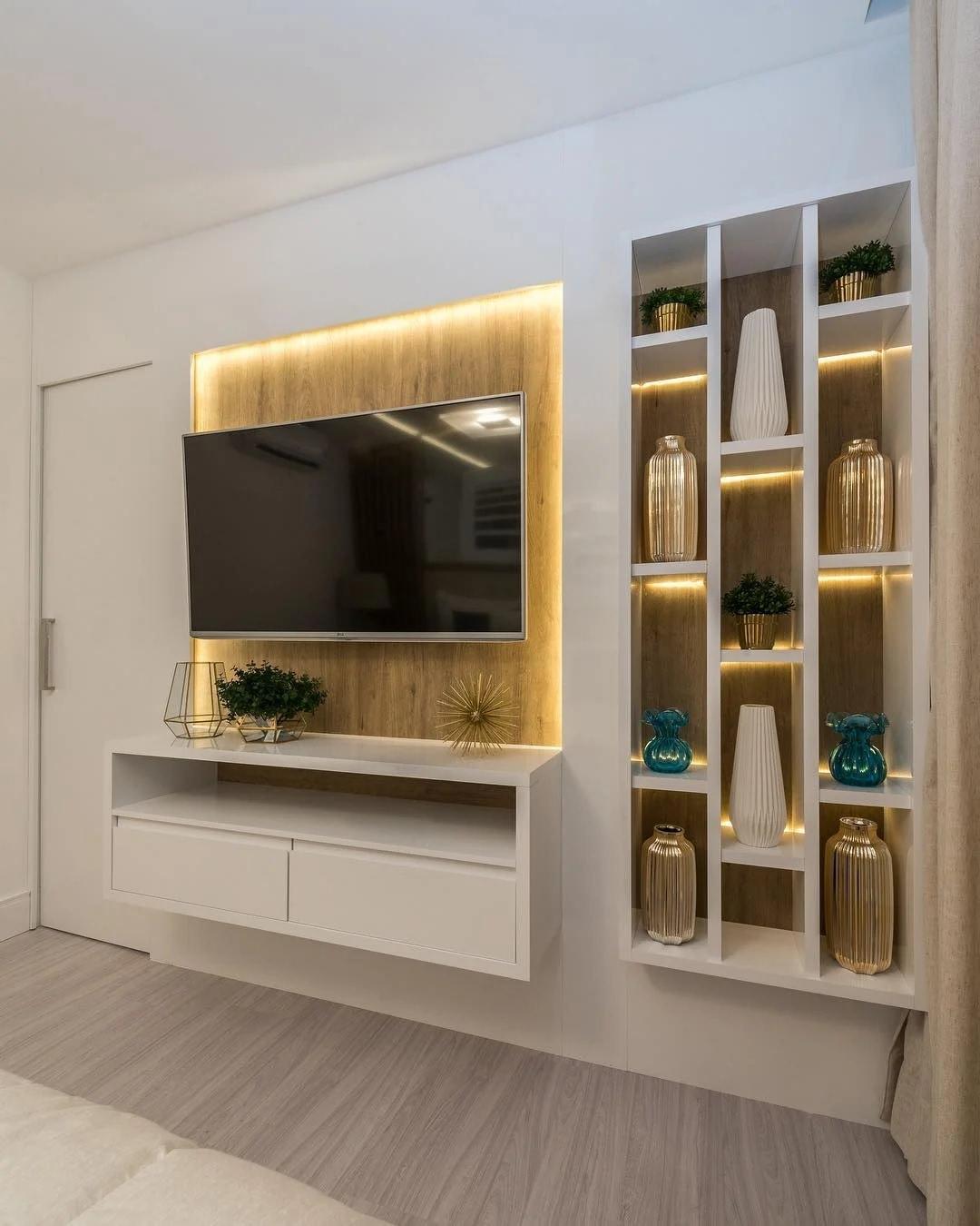 دکوراسیون دیوار پشت تلویزیون با کناف به صورت قفسه بندی شده