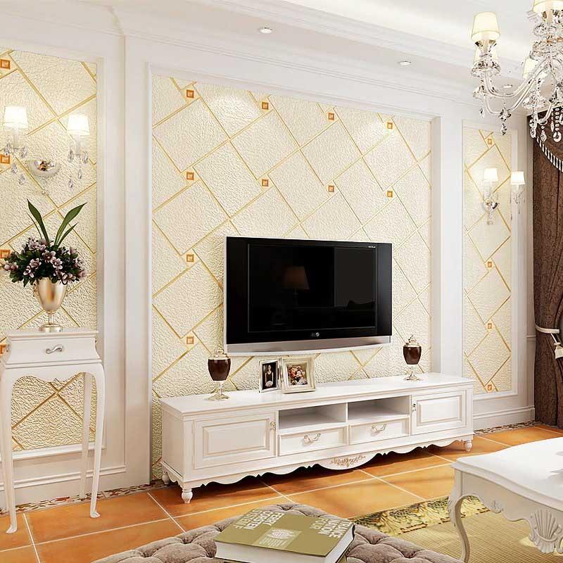 طراحی پشت تلویزیون با کاغد دیواری خنثی روشن طرح برجسته