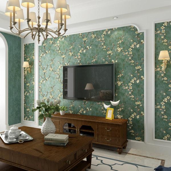 طراحی پشت تلویزیون با کاغذ دیواری گلدار سبز