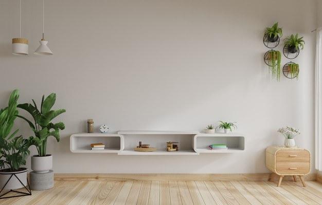 تزیین دیوار پشت تلویزین با گلدان های دیواری و آویز سقفی