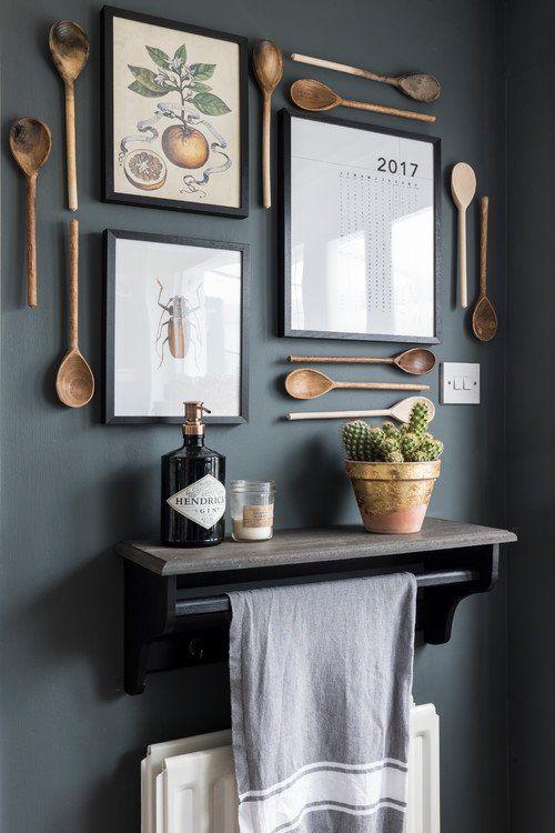 استفاده از قاشق برای تزیین دیوار آشپزخانه