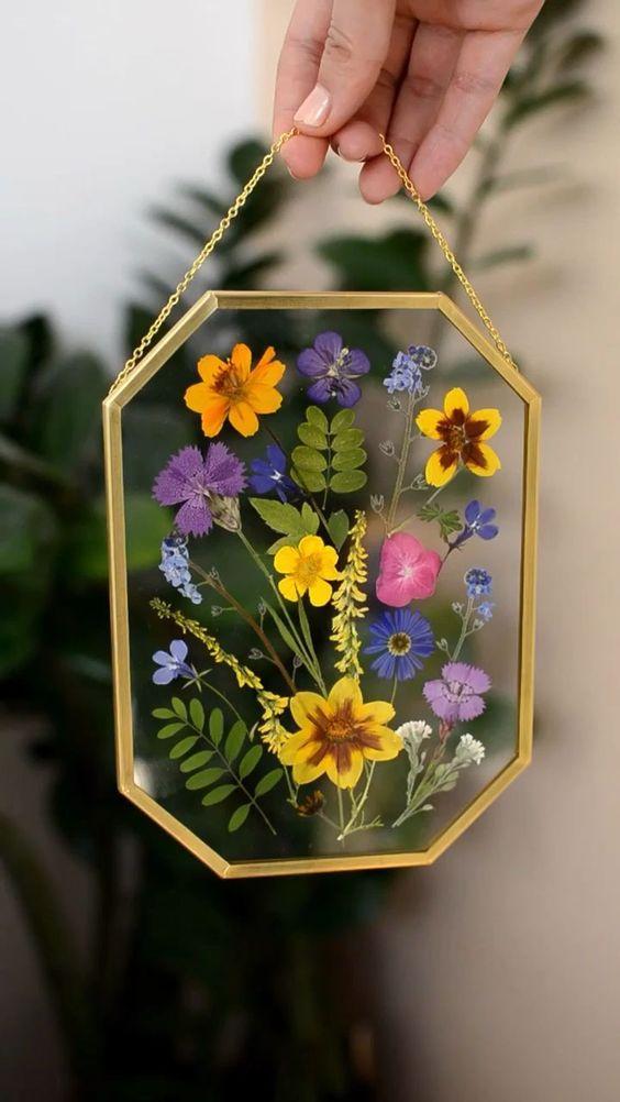 قاب عکس شیشه ای با گل خشک