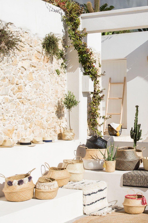 استفاده از سنگ برای تزیین دیوار حیاط