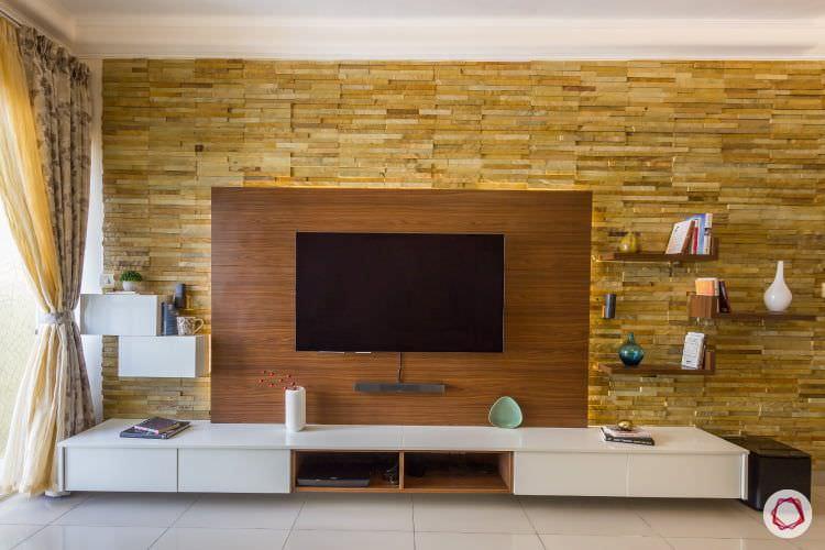 دکور پشت تلویزیون با چوب و سنگ آنتیک
