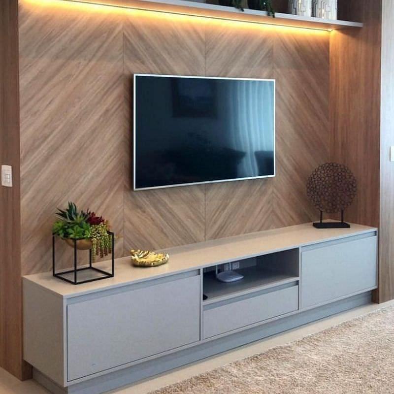 دکور پشت تلویزیون با دیوارپوش طرح چوب مصنوعی